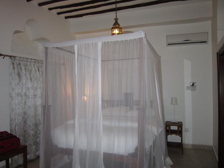 Zanzibar hotel room