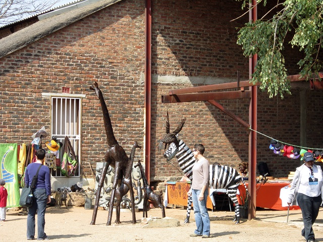 Do you suppose a metal giraffe or zebra would fit in my luggage????