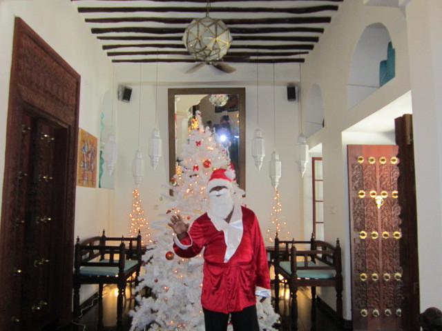 Santa and the tree at the Maru Maru Hotel, Stonetown, Zanzibar